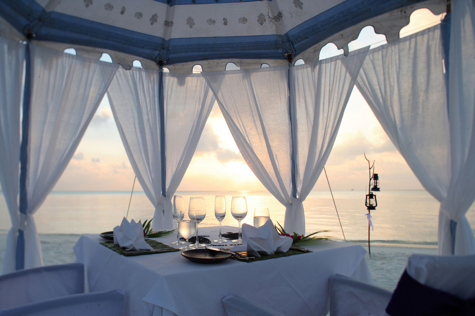 Anantara-Dhigu-Resort-12