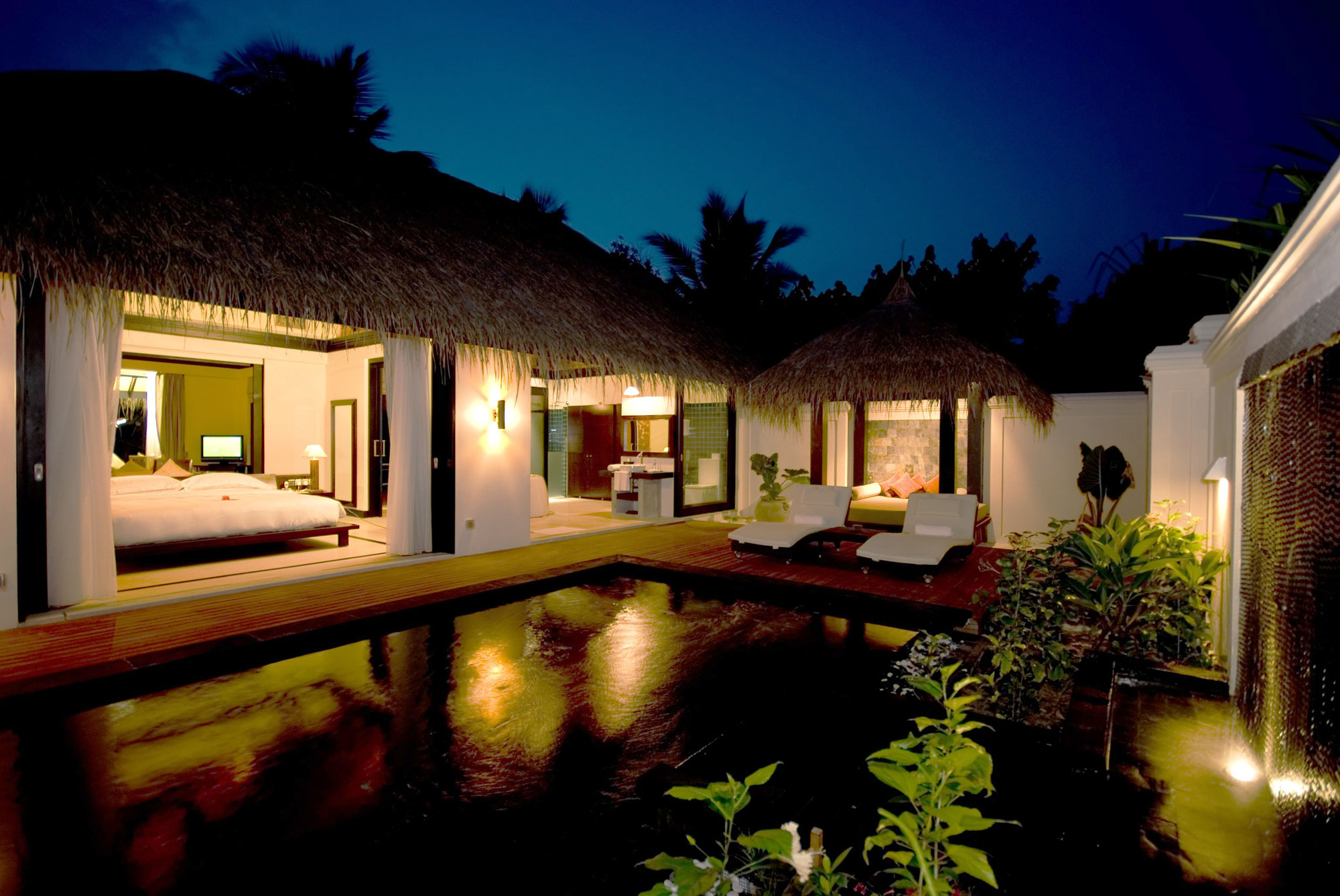 House Gadgets Iruveli A Serene Beach House In Maldives Architecture