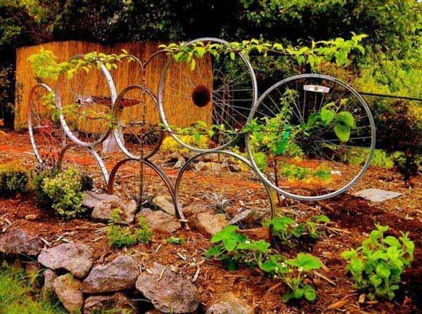 DIY-Crafts-from-Bike-Wheels-11