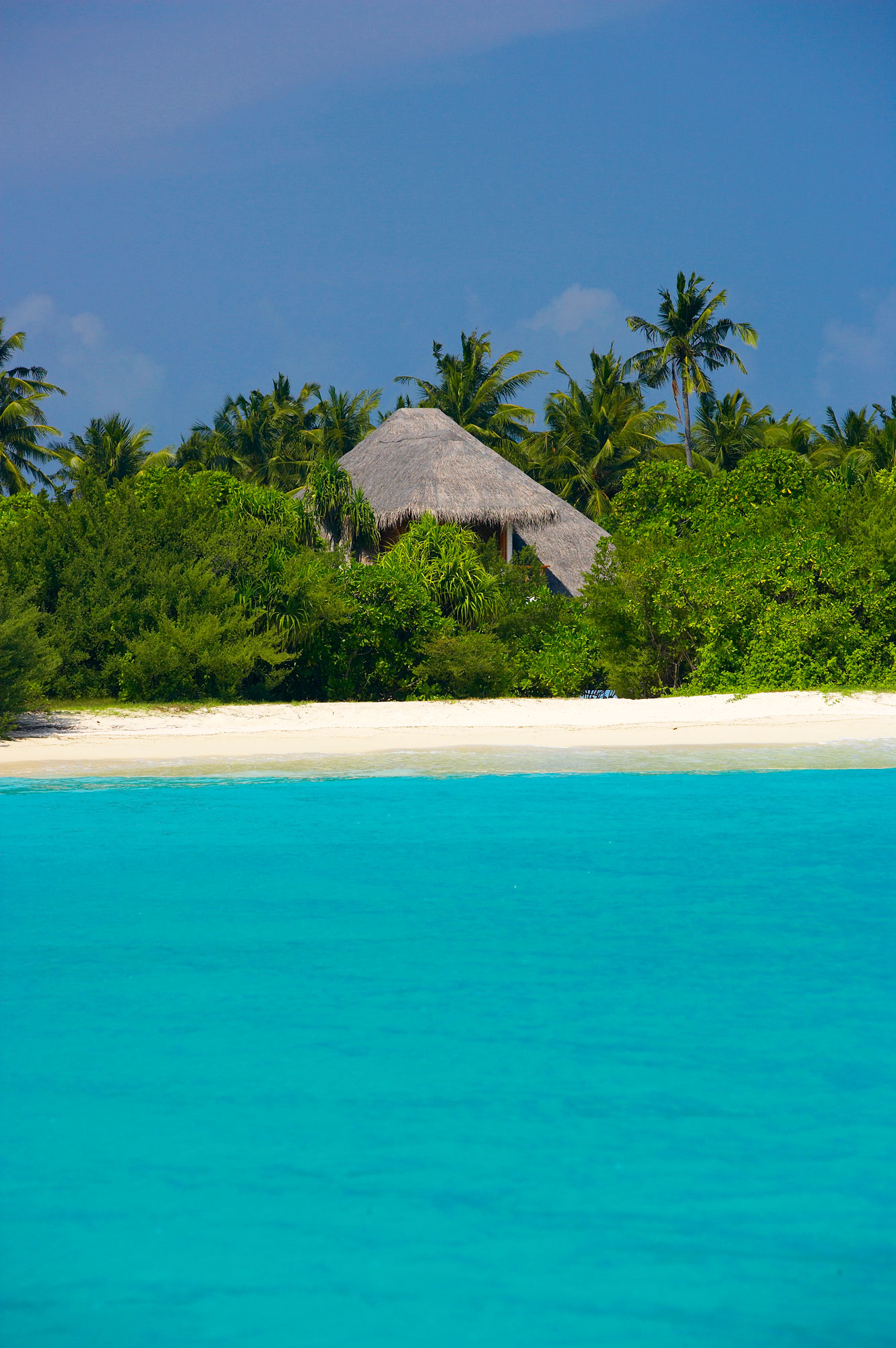 Island-Hideaway-at-Dhonakulhi-Maldives-Spa-Resort-Marina-07