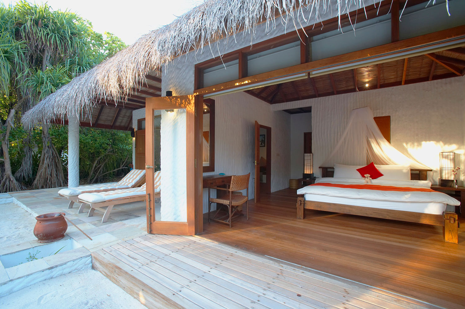 Island-Hideaway-at-Dhonakulhi-Maldives-Spa-Resort-Marina-15