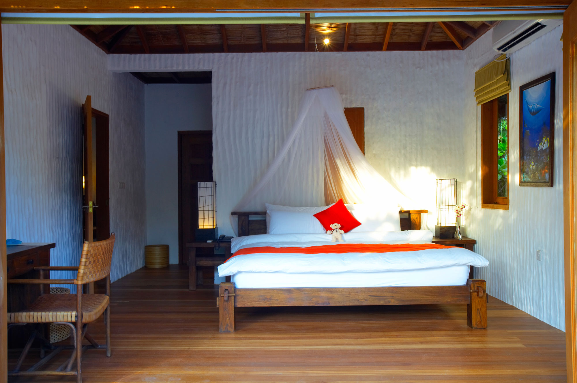 Island-Hideaway-at-Dhonakulhi-Maldives-Spa-Resort-Marina-16