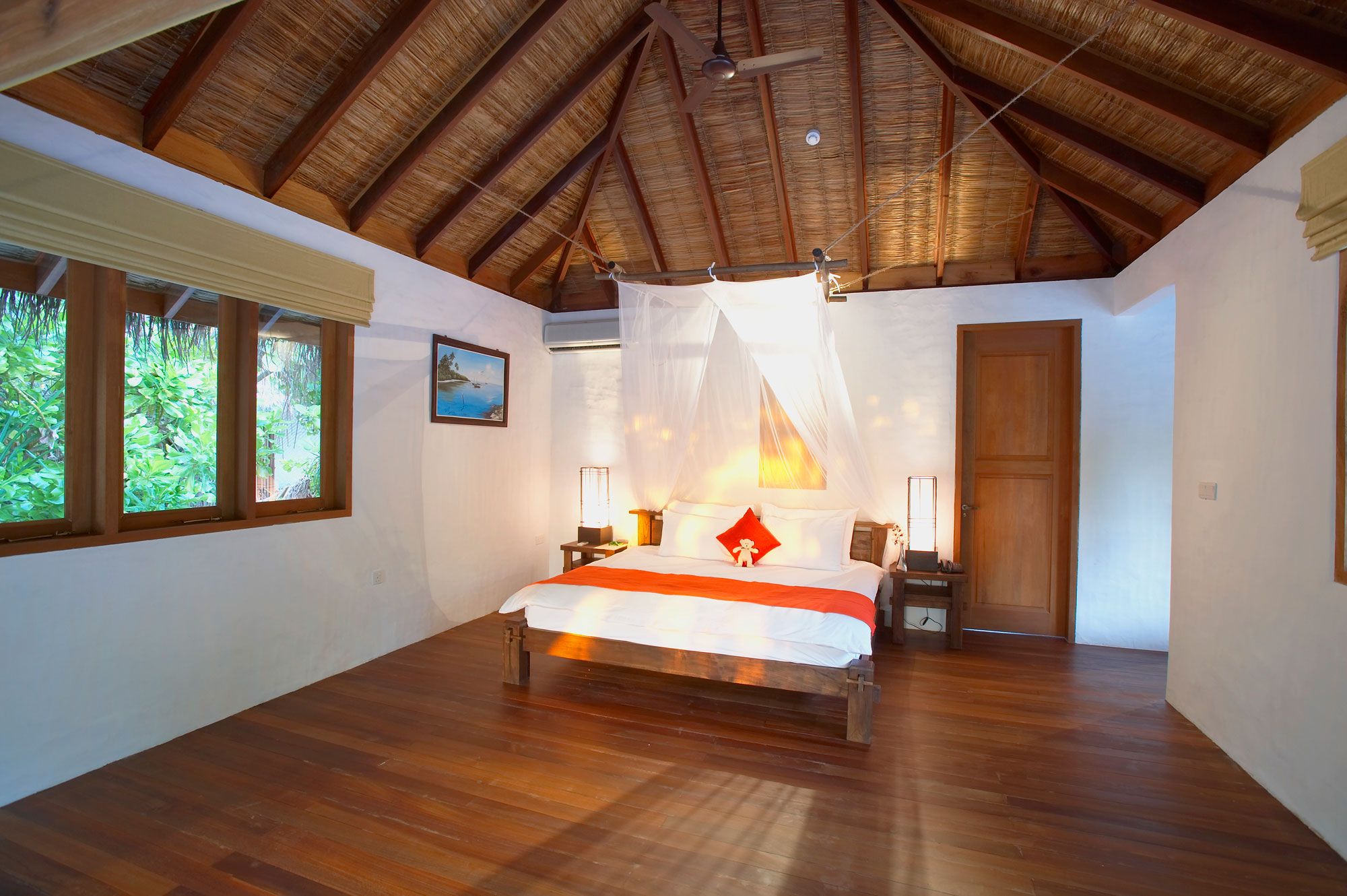 Island-Hideaway-at-Dhonakulhi-Maldives-Spa-Resort-Marina-17