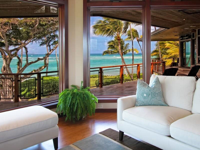 Magnificent-North-Shore-Beachfront-Home-07