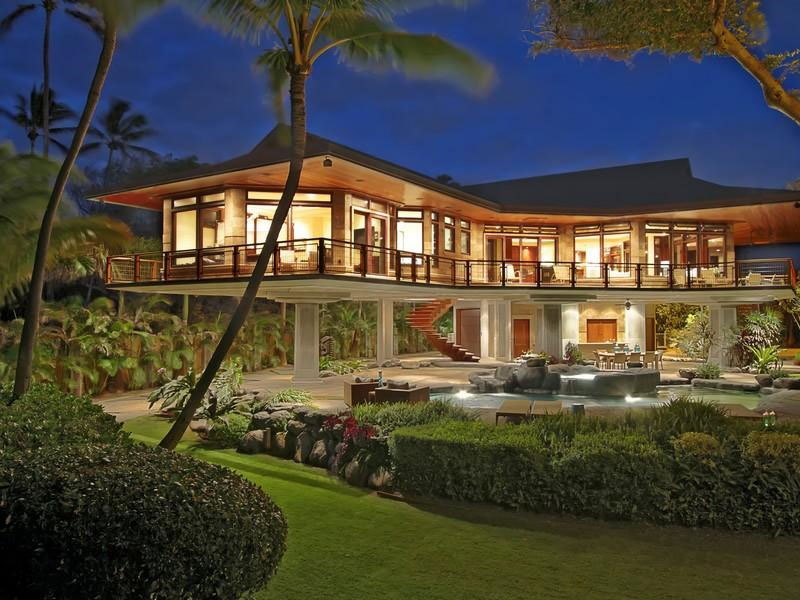 Magnificent-North-Shore-Beachfront-Home-28