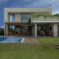 Residencia DF by Pupo Gaspar Arquitetura