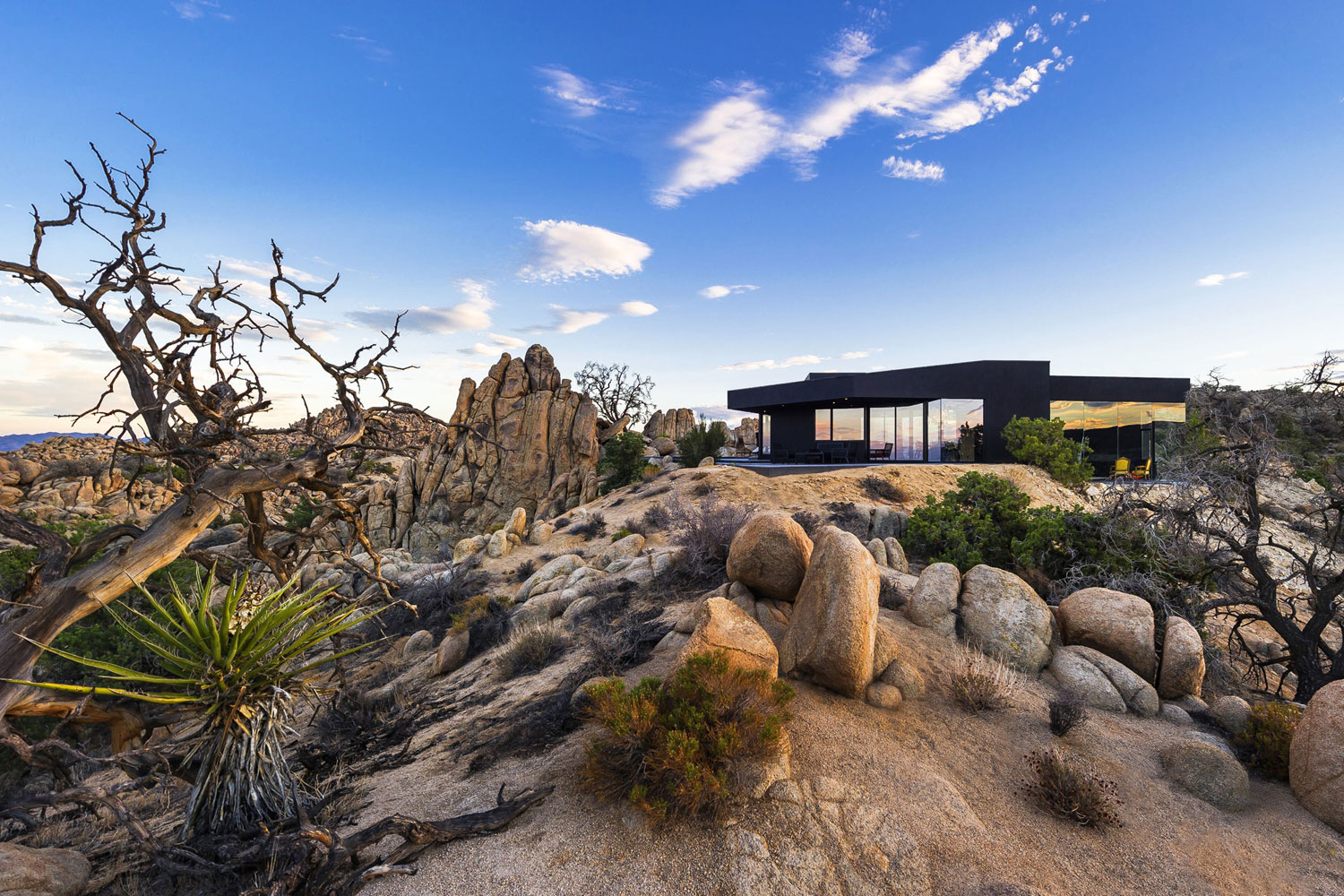 Yucca valley house 3 in twentynine palms california architecture design - Villa decor desert o architecture ...