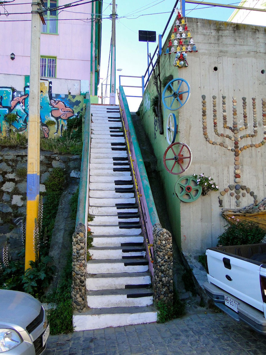 creative-stairs-street-art-3
