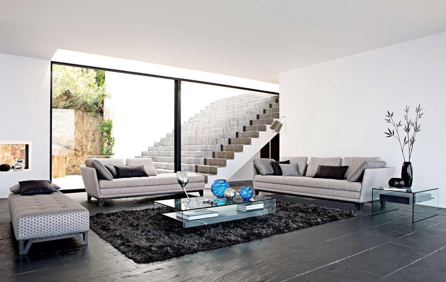 Living room inspiration 120 modern sofas by roche bobois for Sofas grandes modernos