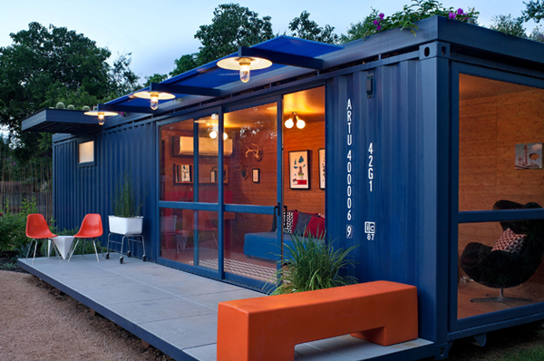 House made of 8 containers