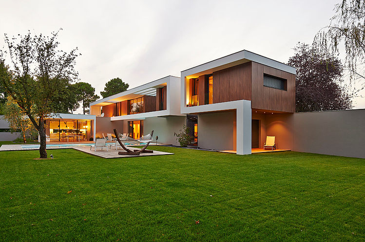 Contemporary House in Bordeaux by Hybre Architecte | Architecture & Design