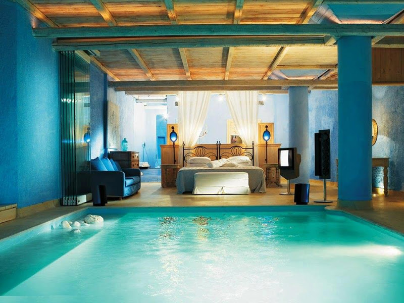 13-jump-in-the-pool-bedroom