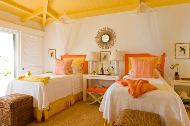 14-yellow-ceiling-painted-for-shared-kids-room