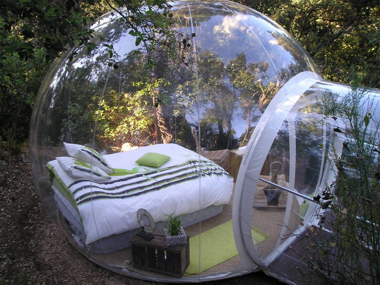 And Speaking Of Glass Encased Bedrooms, Hereu0027s Another One. This One Was  Designed In A Transparent Bubble Surrounded By Nature And Vegetation.