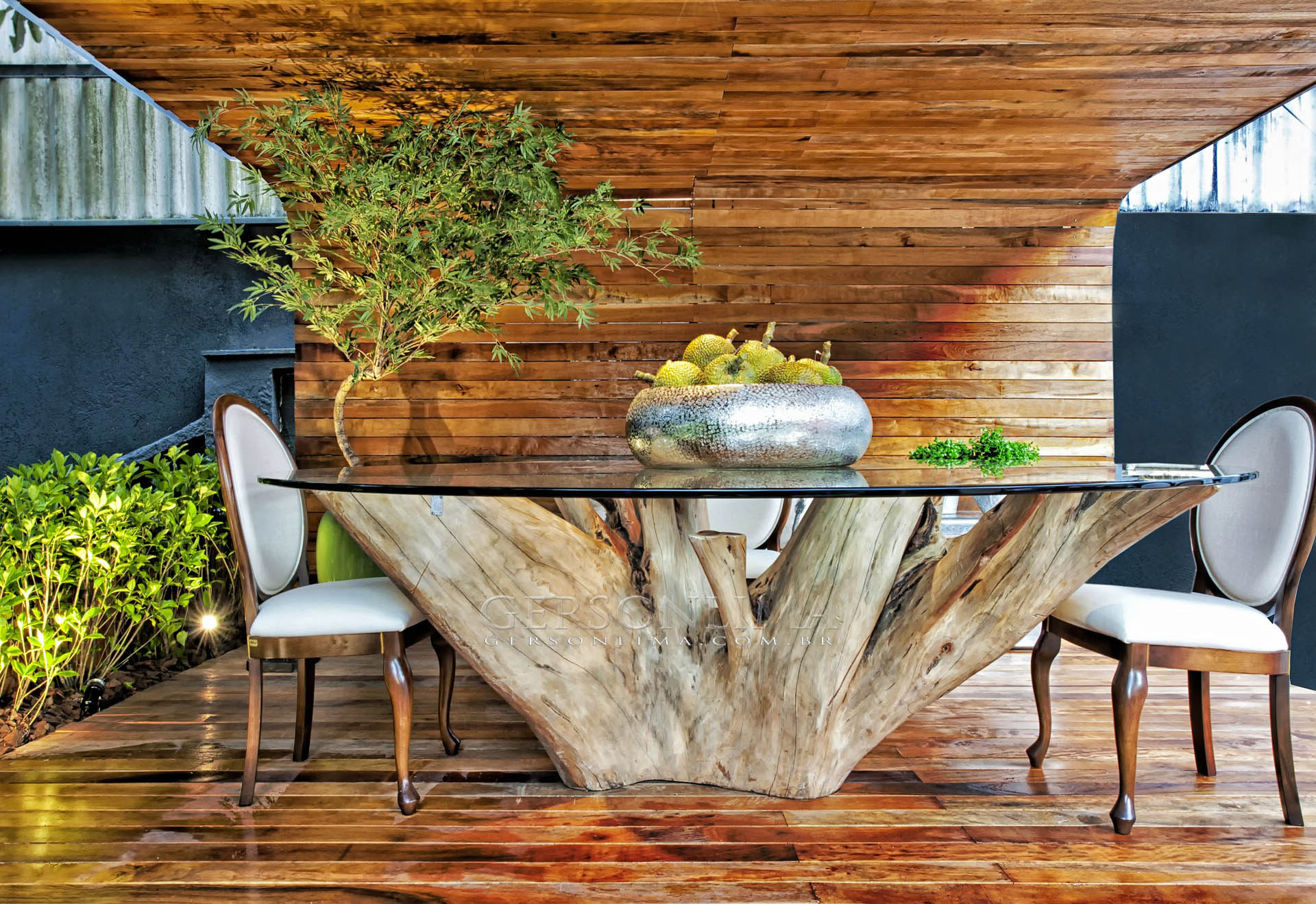 1 | Decorate With A Unique Tree Trunk Table