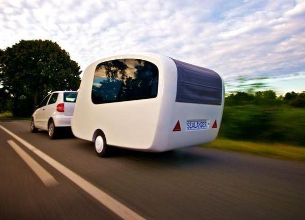 31-floating-caravan