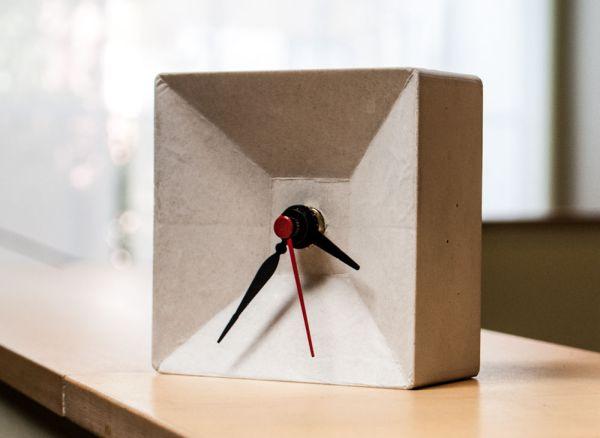 4-concrete-desk-clock