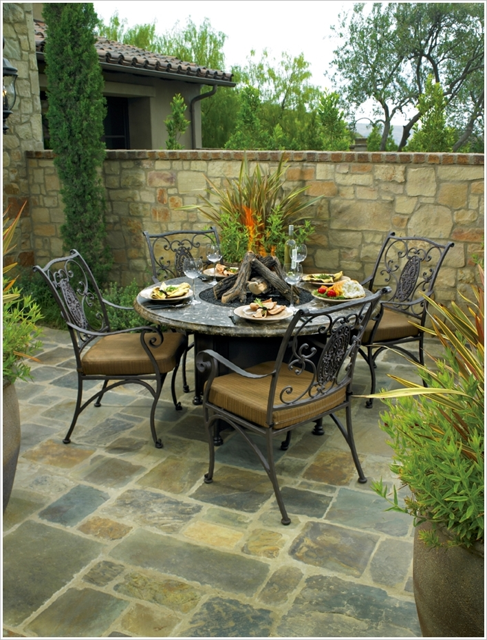 13 Amazing Ideas to Design an Outdoor Dining Area ...