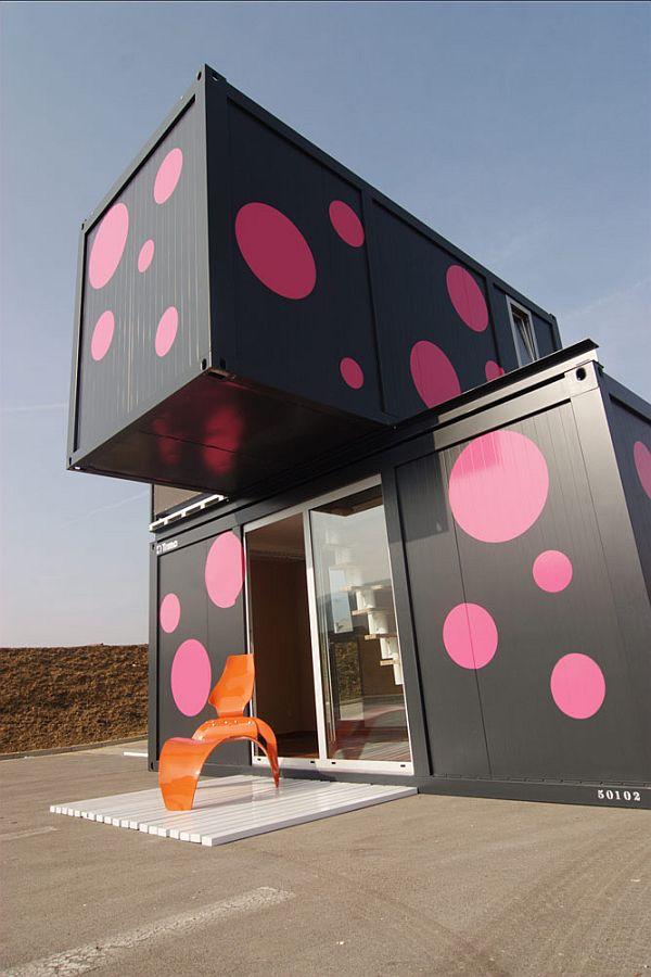 86-Week-End-House-shipping-containers