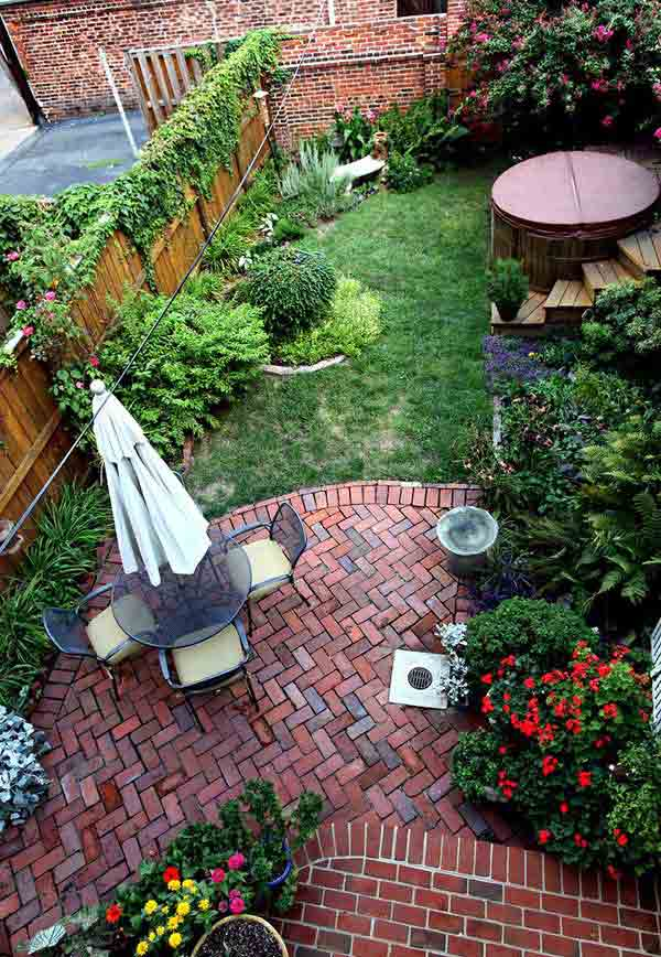 23 Small Backyard Ideas How to Make Them Look Spacious and ... on Small Outdoor Patio Ideas id=57910