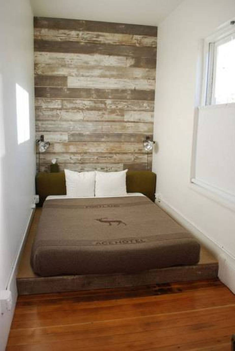Interior Design Narrow Bedroom