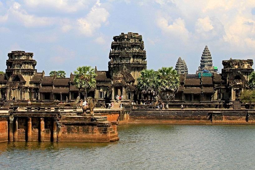 10-Angkor_Wat_in _Cambodia