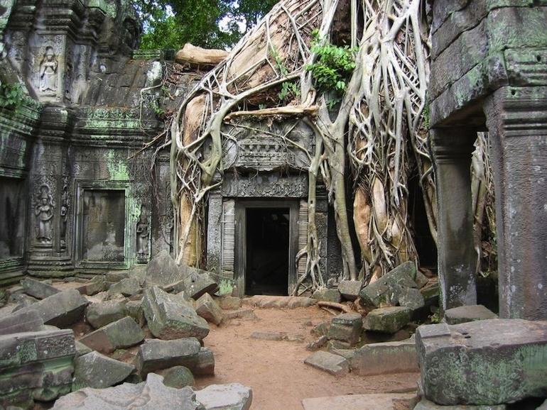 12-Angkor_Wat_in _Cambodia
