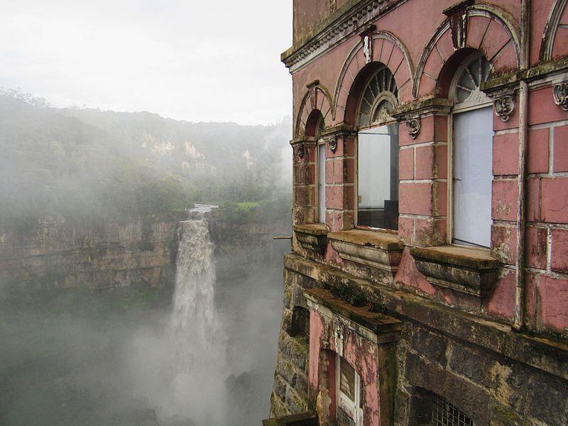 15-El_Hotel_del_Salto_in_Colombia