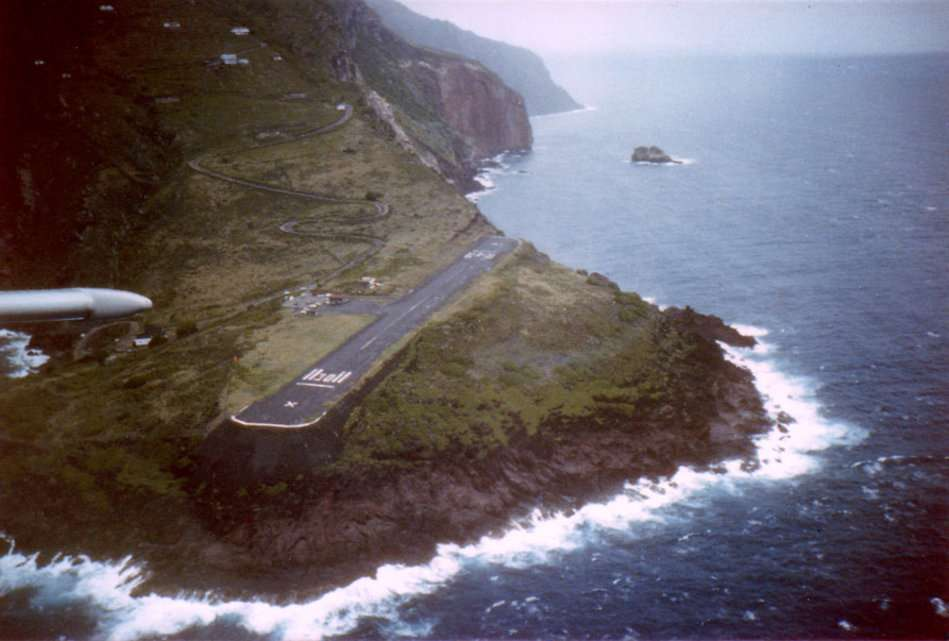 18. Juancho E. Yrausquin Airport, Saba Island