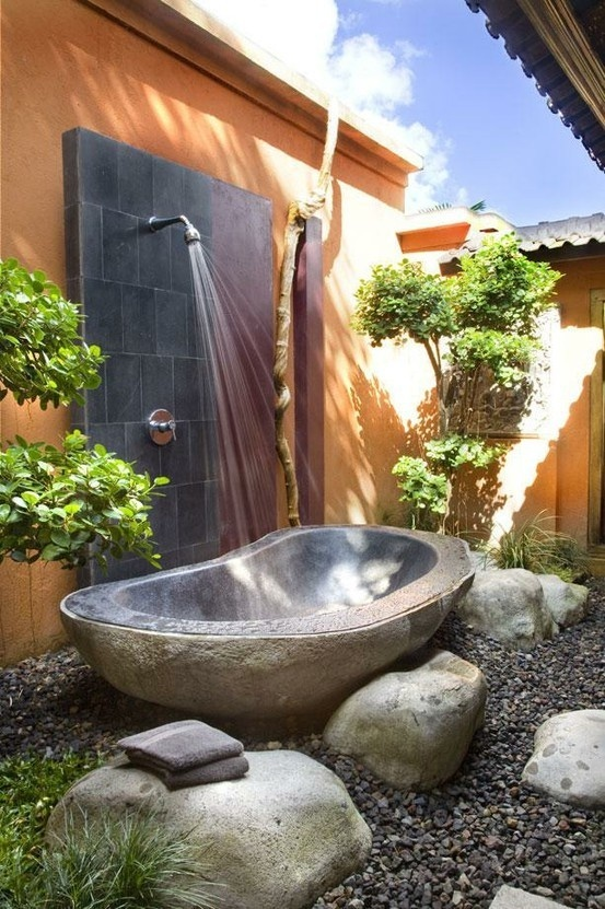 21-outdoor-bathing-area-cool