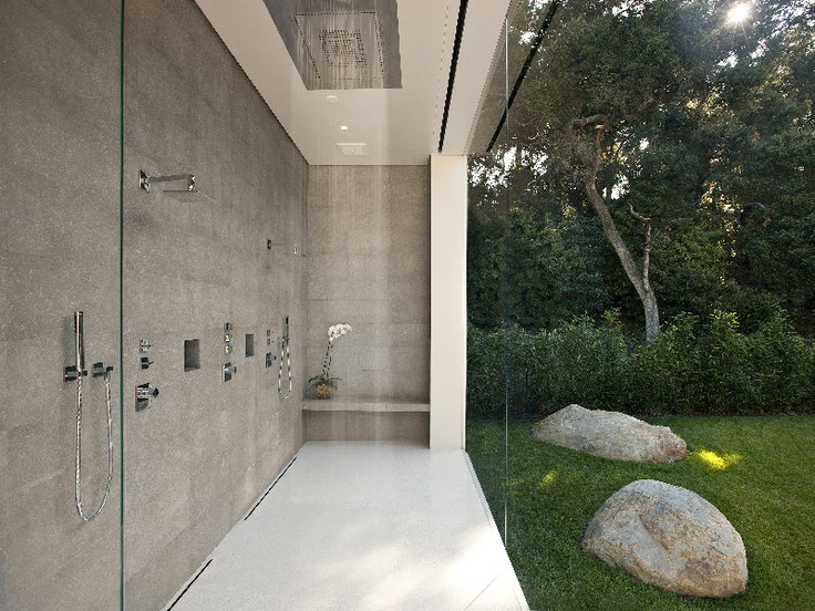 23-garden-shower-view-no-privacy