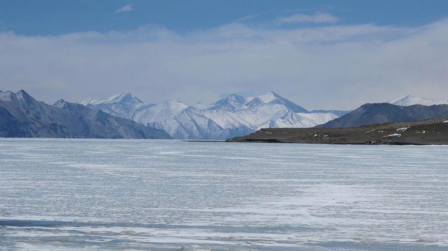 26-Frozen_Pangong_tso_lake
