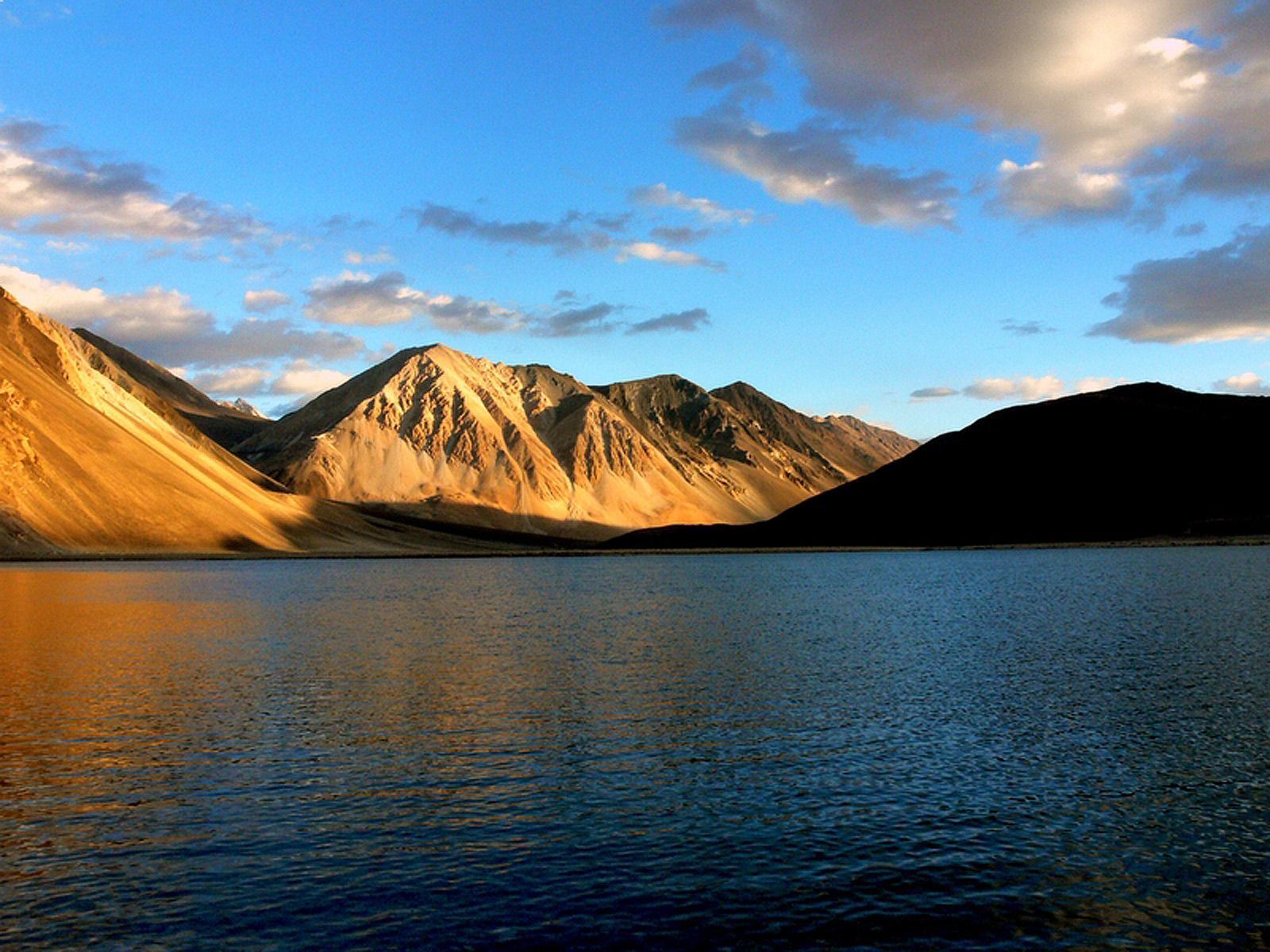 28-Pangong_tso_lake