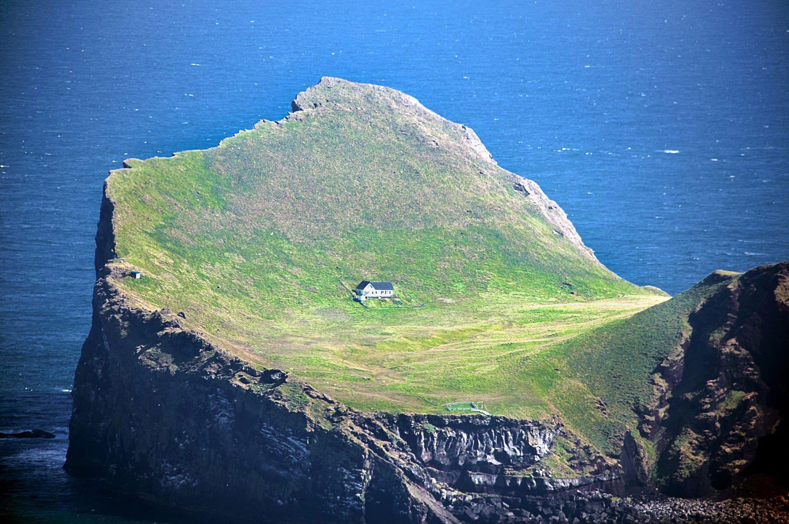 31-Ellidaey_Island_Iceland