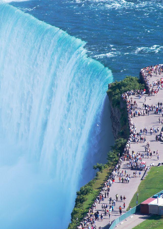 39-Niagarafalls_edge