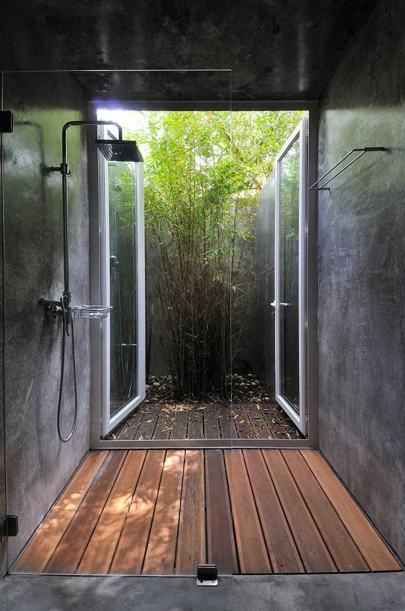 4-indoor-outdoor-shower-design