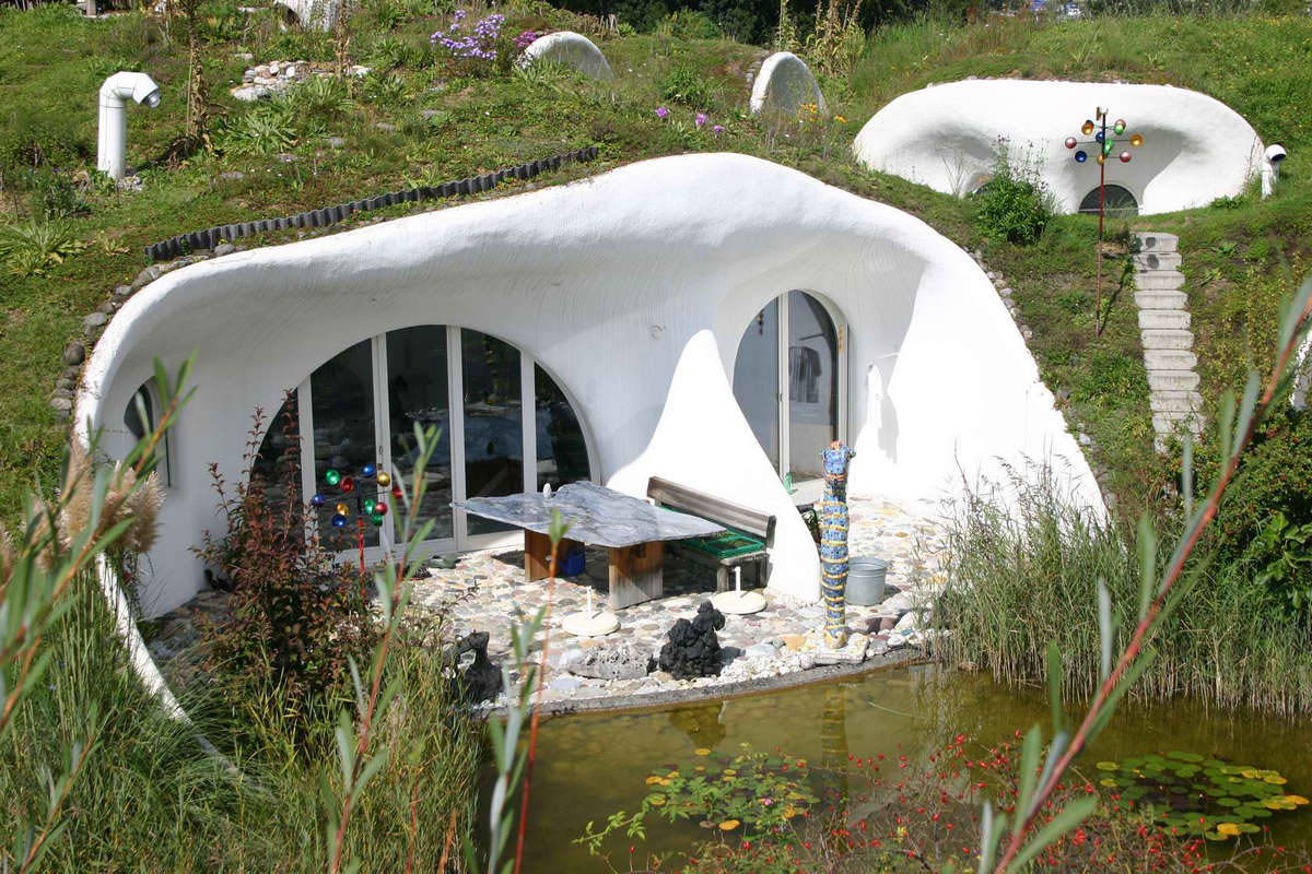 44 underground house 10 Spectacular Underground Homes Around The World  Architecture
