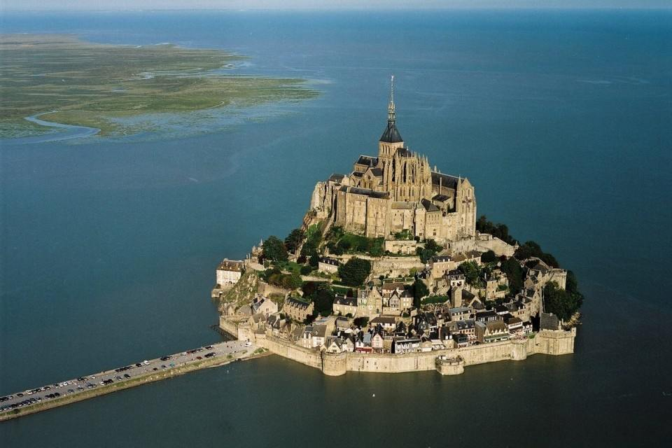 45-Mont_St_Michel_Castle_France