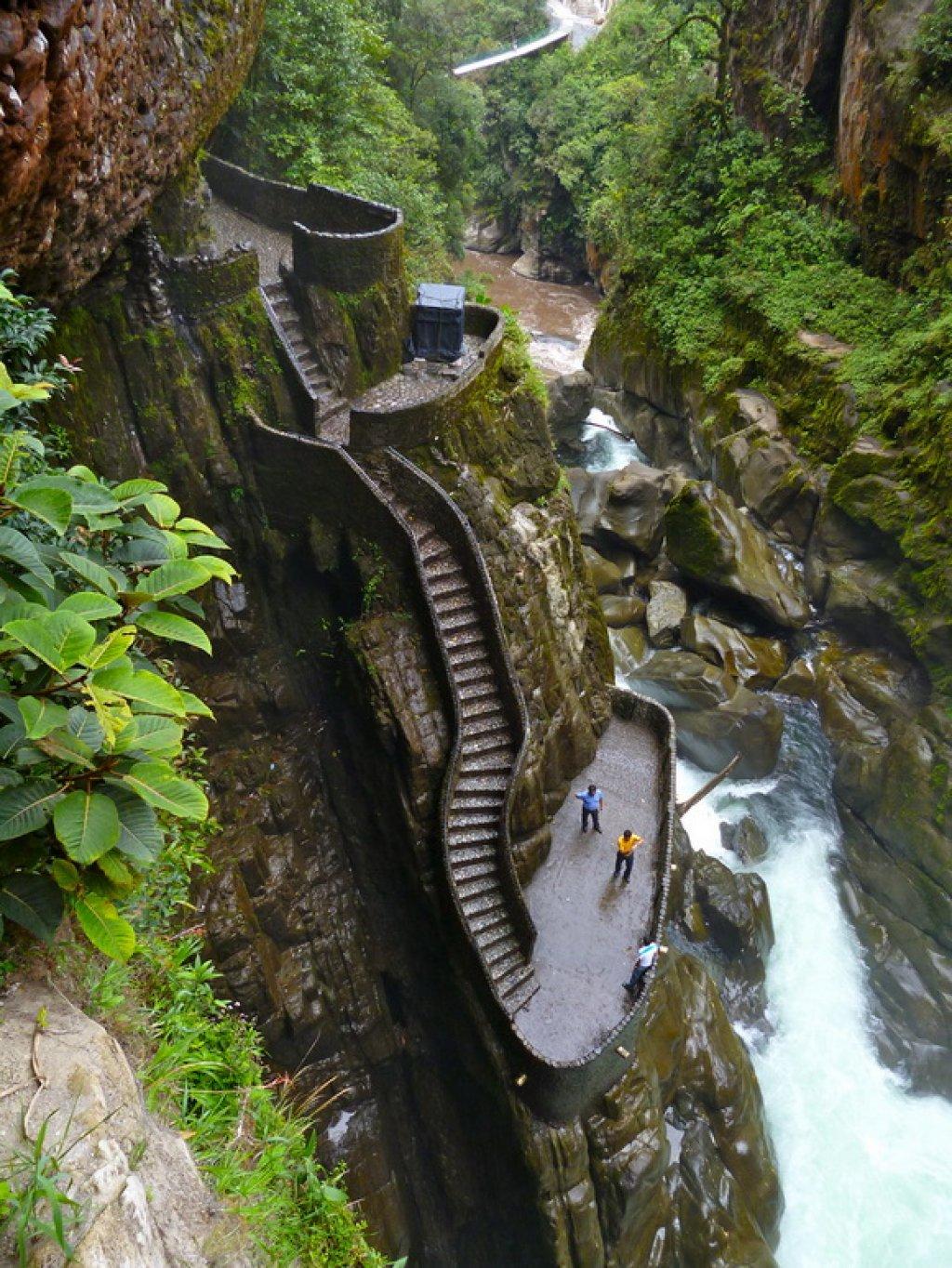 47-Canyon_Staircase_Ecuador