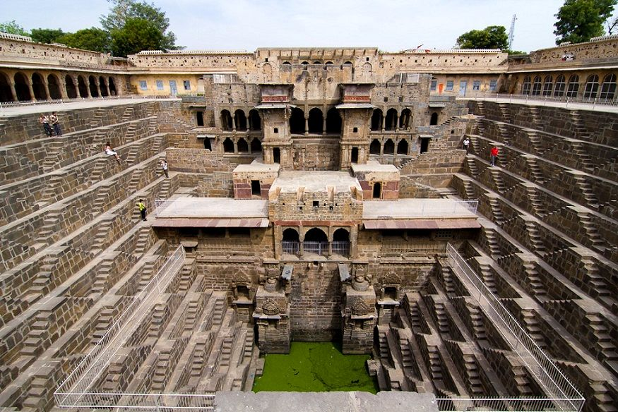 49-Chand_Baori_well_ India