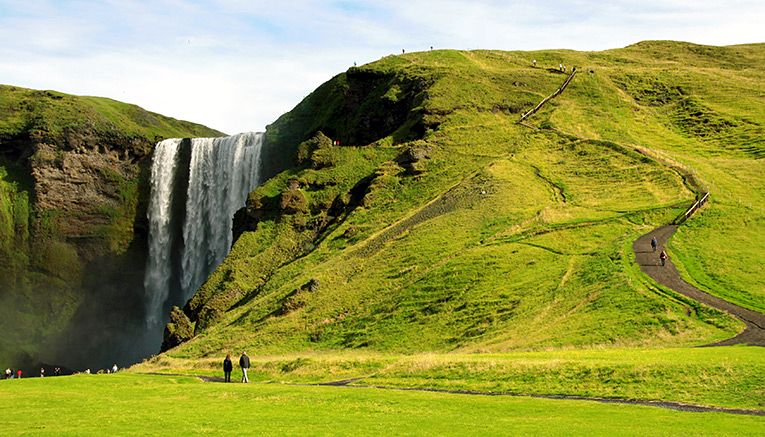 7-Skogafoss_Waterfall_in_Iceland
