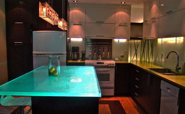 kitchen-glass-counters-ideas-10