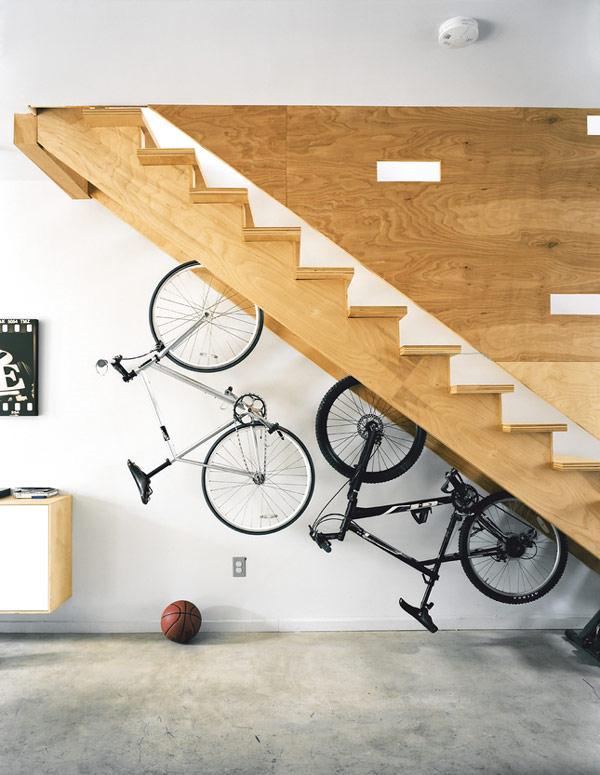storage-ideas-under-stairs-in-hallway6