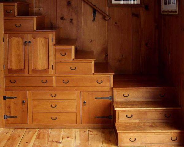 t-drawers-built-under-stair-storage-3