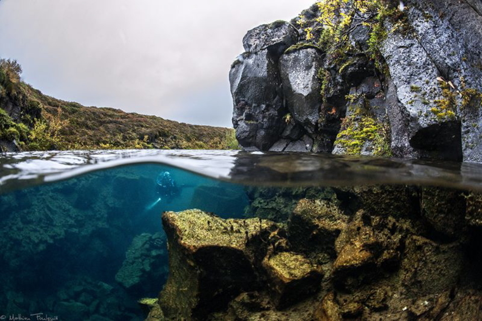 AD-Incredible-Photos-That-Reveal-A-Glimpse-Of-What-Lies-Beneath-The-Waters-Surface-31