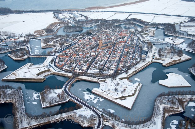 AD-Most-Picturesque-Winter-Towns-From-Around-The-World-05
