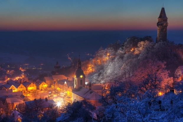 AD-Most-Picturesque-Winter-Towns-From-Around-The-World-08