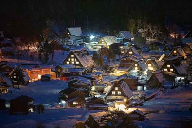 AD-Most-Picturesque-Winter-Towns-From-Around-The-World-09