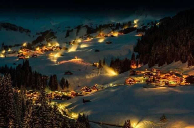 AD-Most-Picturesque-Winter-Towns-From-Around-The-World-10