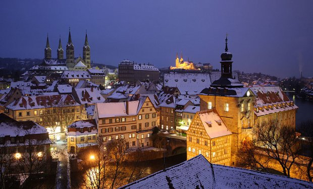 AD-Most-Picturesque-Winter-Towns-From-Around-The-World-14